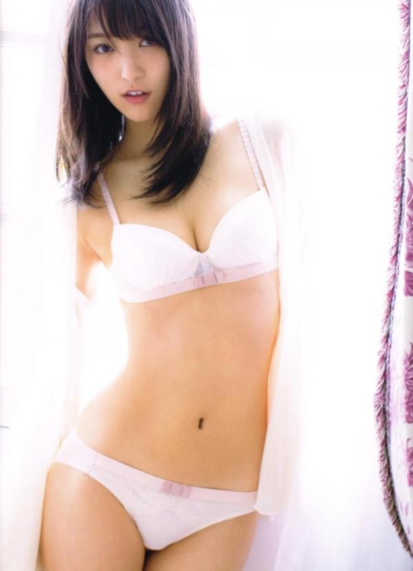 欅坂46の癒し代表 菅井友香 スレンダー美乳な水着画像31枚の2