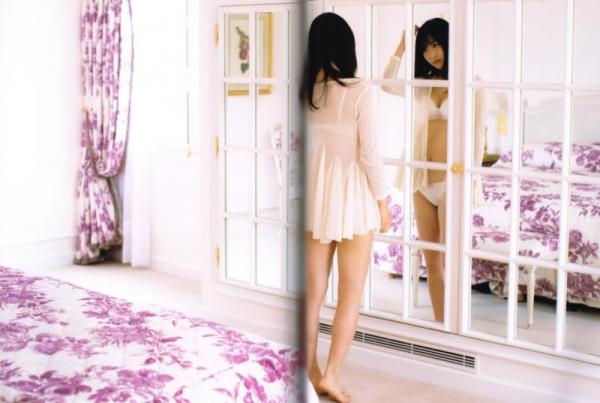 欅坂46の癒し代表 菅井友香 スレンダー美乳な水着画像31枚の26枚目
