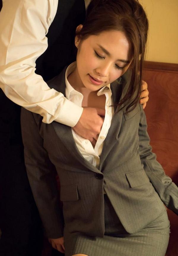 スーツのOLエロ画像a054