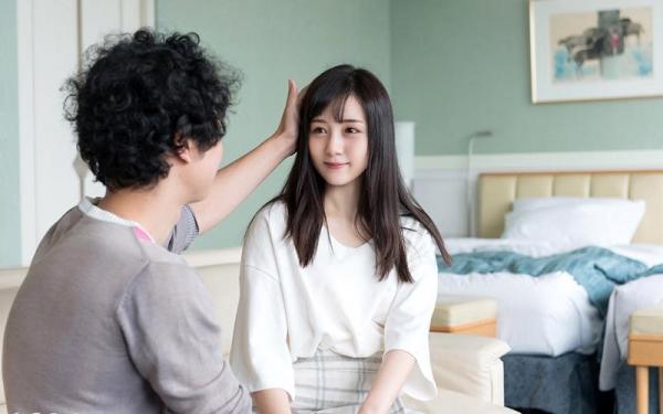 鈴原エミリ 可愛い顔したデカ尻娘のエロ画像110枚の014枚目