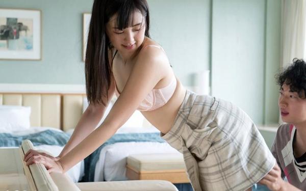 鈴原エミリ 可愛い顔したデカ尻娘のエロ画像110枚の016枚目