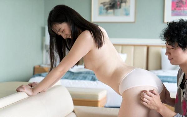 鈴原エミリ 可愛い顔したデカ尻娘のエロ画像110枚の018枚目