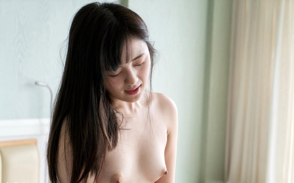 鈴原エミリ 可愛い顔したデカ尻娘のエロ画像110枚の039枚目