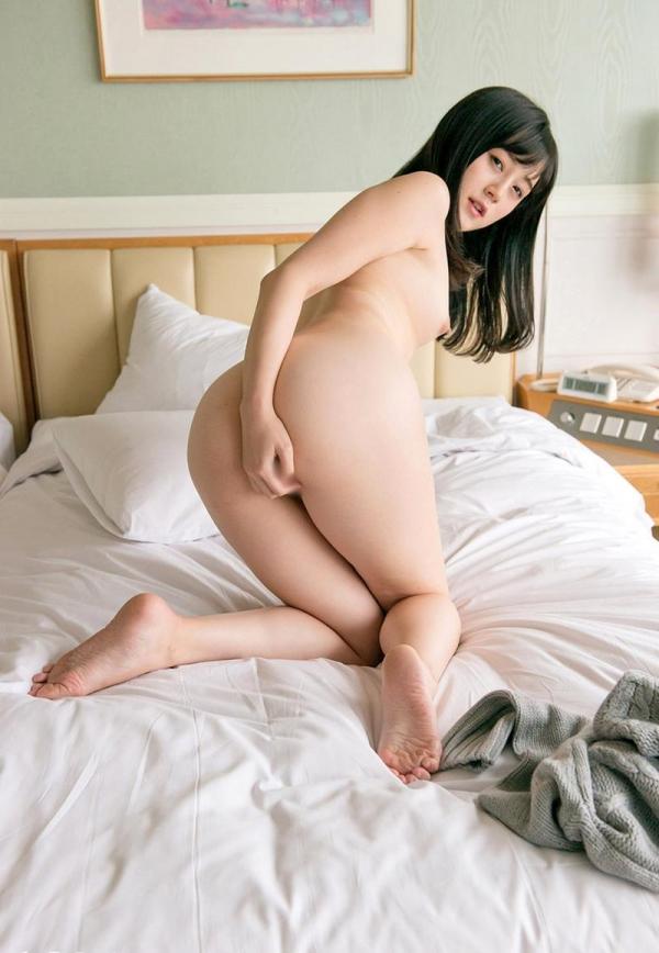 鈴原エミリ 可愛い顔したデカ尻娘のエロ画像110枚の064枚目