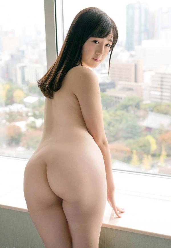 鈴原エミリ 可愛い顔したデカ尻娘のエロ画像110枚の2