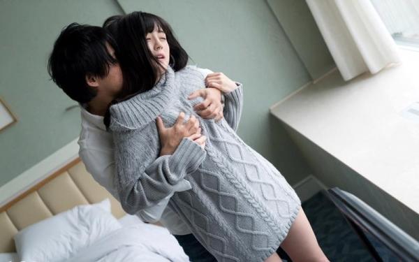 鈴原エミリ 可愛い顔したデカ尻娘のエロ画像110枚の074枚目