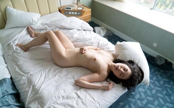 鈴原エミリ 可愛い顔したデカ尻娘のエロ画像110枚の110枚目