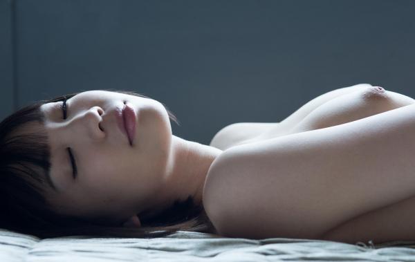 鈴木心春(すずきこはる)艶美ヌード画像120枚の027枚目