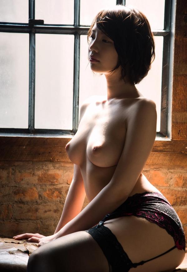 鈴木心春(すずきこはる)艶美ヌード画像120枚の092枚目
