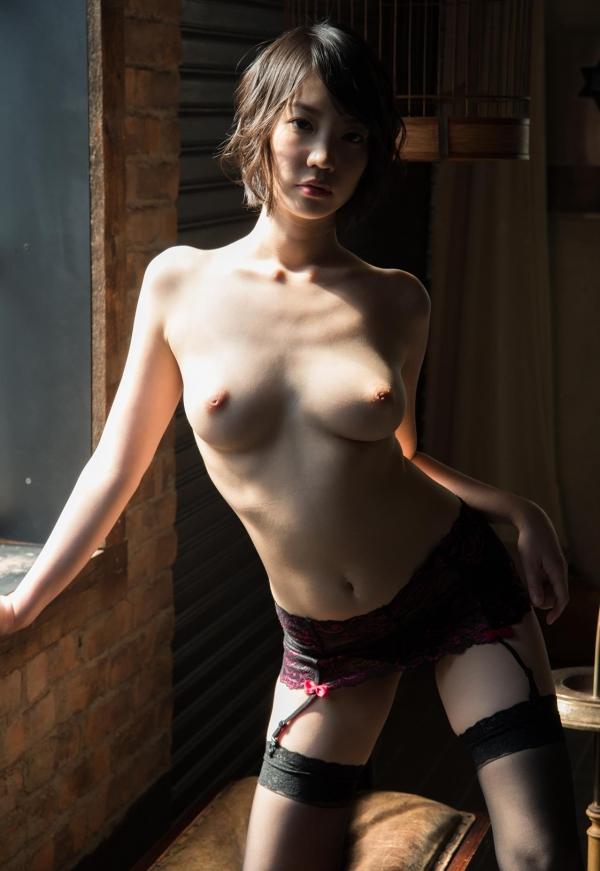鈴木心春(すずきこはる)艶美ヌード画像120枚の095枚目