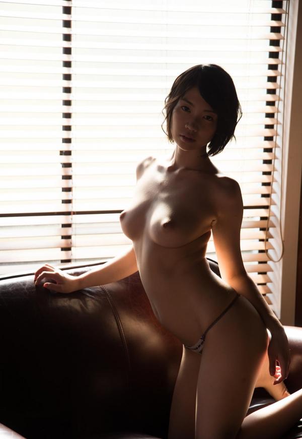 鈴木心春(すずきこはる)艶美ヌード画像120枚の107枚目