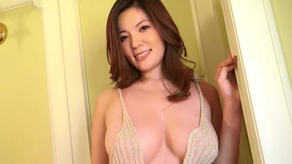 銀座 超高級クラブの巨乳ママ 鈴木ミレイのエロ画像52枚の19枚目