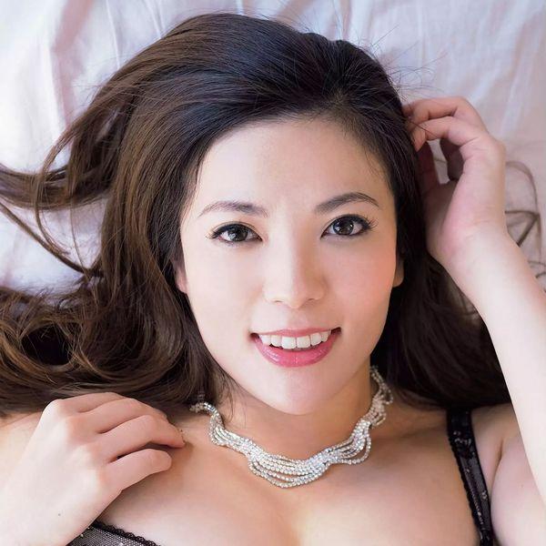 銀座 超高級クラブの巨乳ママ 鈴木ミレイのエロ画像52枚の53枚目