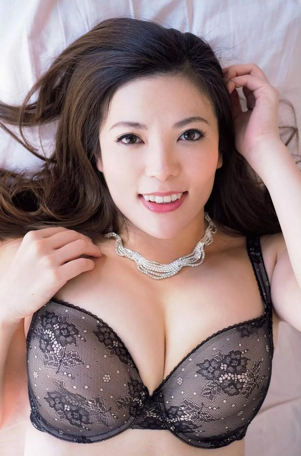銀座 超高級クラブの巨乳ママ 鈴木ミレイのエロ画像52枚の3枚目