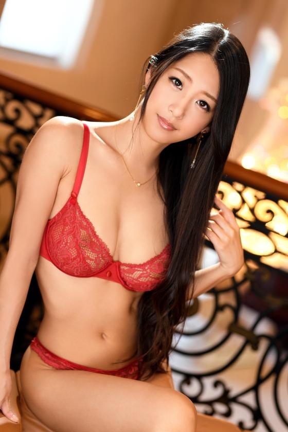 鈴木さとみ スレンダー巨乳美女のエロ画像64枚のb002枚目