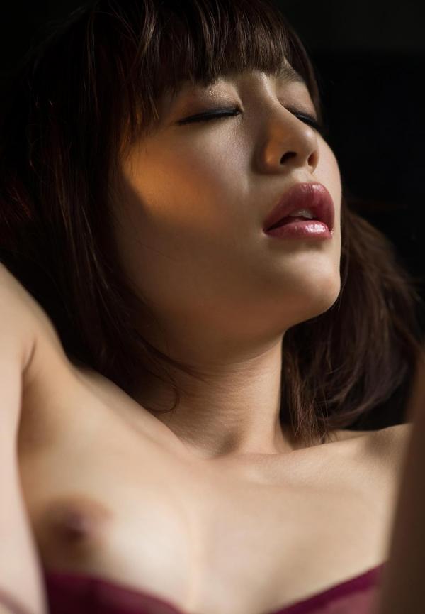 鈴村あいり ハッとする程美しいヌード画像150枚の 073番