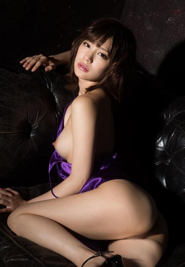 鈴村あいり ハッとする程美しいヌード画像150枚の 111番