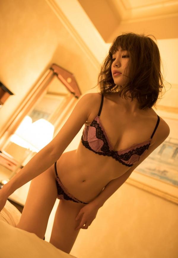 鈴村あいり ハッとする程美しいヌード画像150枚の 006番