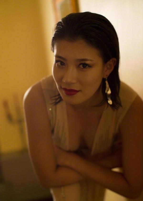 紀州のドンファン野崎幸助氏の元愛人モデルボクサー高野人母美(たかのともみ)の水着画像60枚の07枚目
