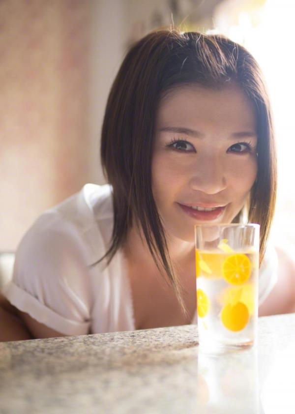 紀州のドンファン野崎幸助氏の元愛人モデルボクサー高野人母美(たかのともみ)の水着画像60枚の16枚目