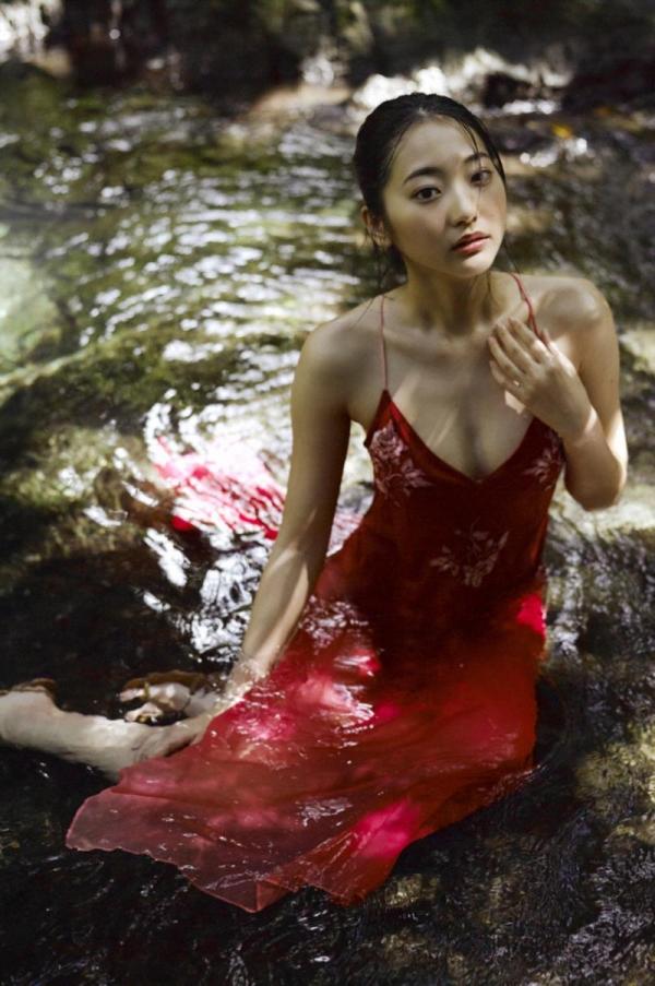 武田玲奈 水着の透ける素肌が大胆なセクシー画像100枚の096枚目