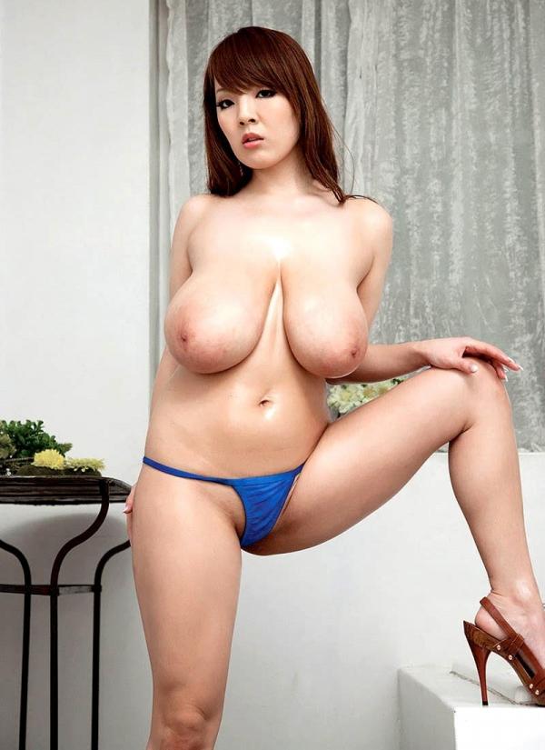 AV界最強のOカップ超乳 田中瞳 ヌード画像60枚の038枚目