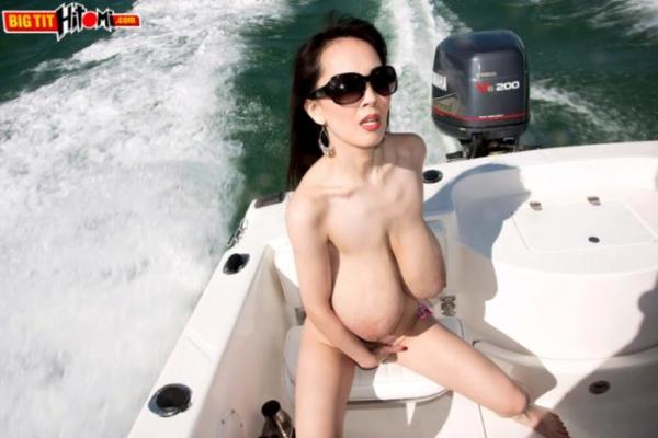 超乳美女 Hitomi (田中瞳)B116 cm ド迫力おっぱい画像60枚のa07枚目
