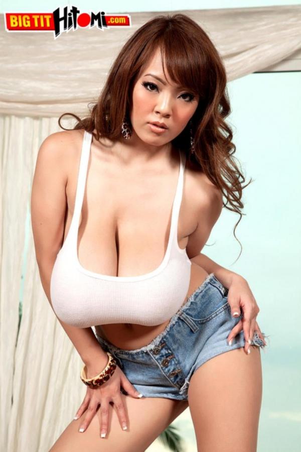 超乳美女 Hitomi (田中瞳)B116 cm ド迫力おっぱい画像60枚のb03枚目