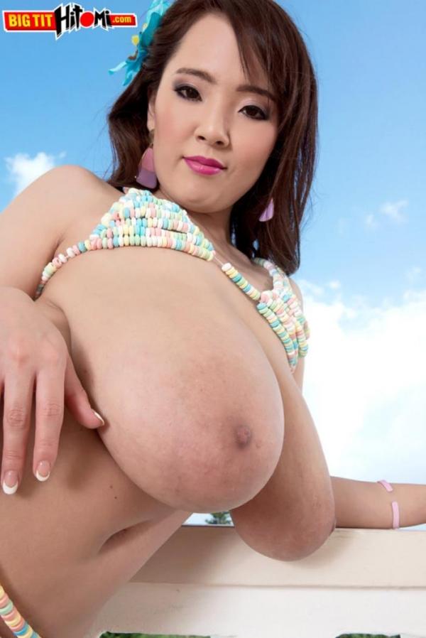 超乳美女 Hitomi (田中瞳)B116 cm ド迫力おっぱい画像60枚のd03枚目