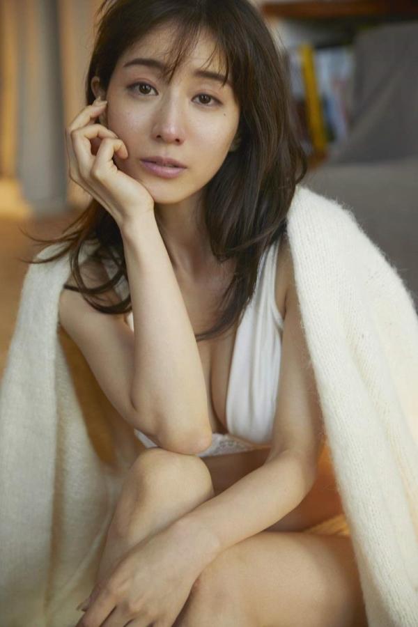 田中みな実のエロ画像 写真集爆売れなフェロモン美女29枚のa03枚目