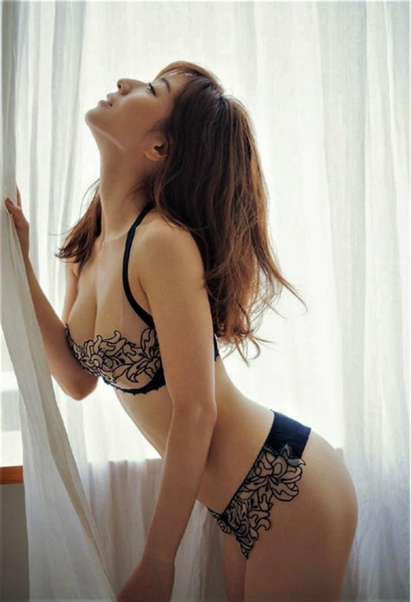 田中みな実のエロ画像 写真集爆売れなフェロモン美女29枚のa10枚目