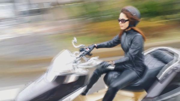 通野未帆 剛毛フェチ垂涎のスリム美女エロ画像60枚のa20.jpg