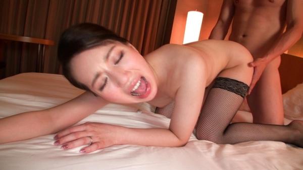 徳永れい(上田麻里)三十路の不倫妻エロ画像65枚のb014枚目