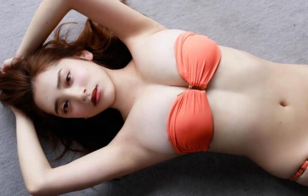 都丸紗也華(とまるさやか)弾ける白肌巨乳 水着画像60枚の40枚目