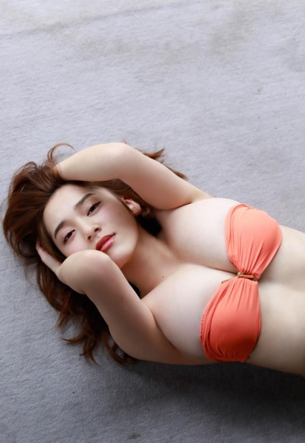 都丸紗也華(とまるさやか)弾ける白肌巨乳 水着画像60枚の41枚目