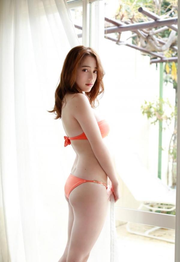 都丸紗也華(とまるさやか)弾ける白肌巨乳 水着画像60枚の46枚目