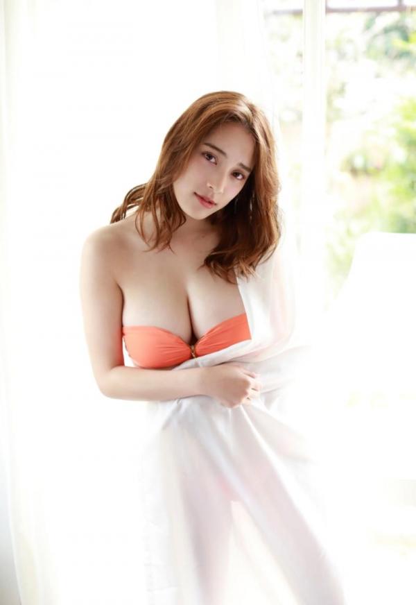 都丸紗也華(とまるさやか)弾ける白肌巨乳 水着画像60枚の47枚目
