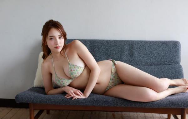 都丸紗也華(とまるさやか)弾ける白肌巨乳 水着画像60枚の53枚目
