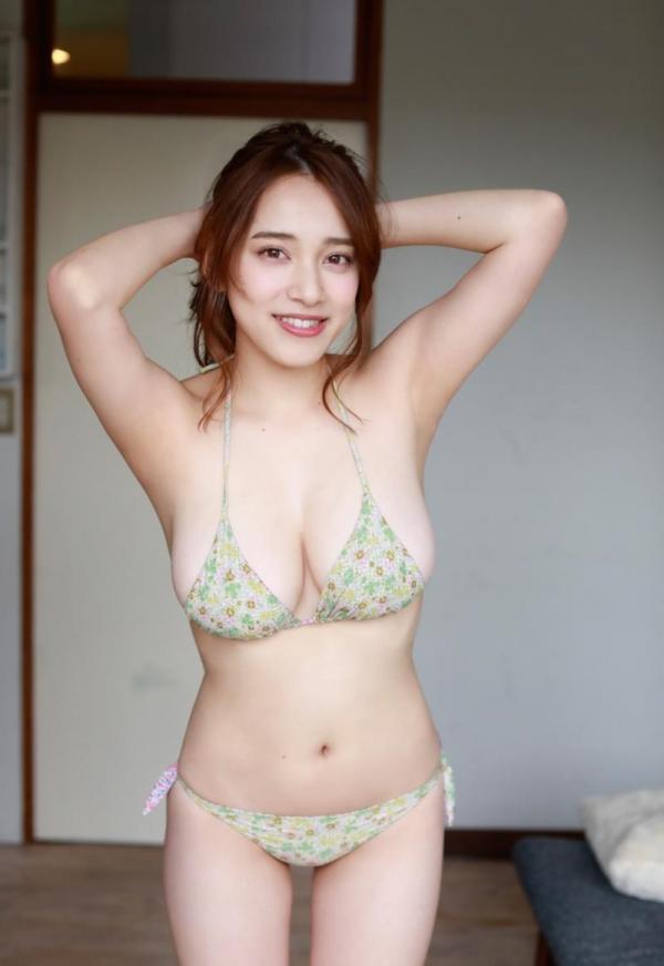 都丸紗也華(とまるさやか)弾ける白肌巨乳 水着画像60枚の58枚目