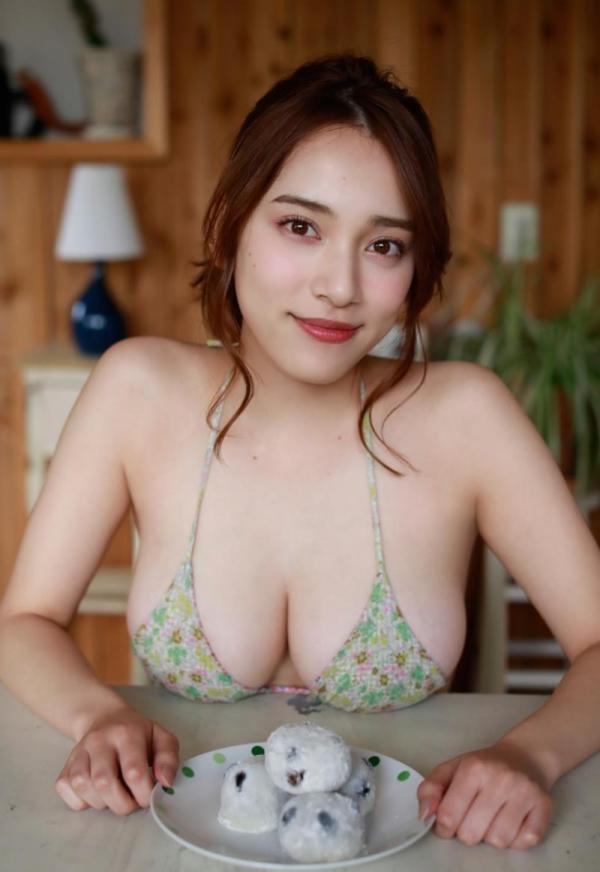 都丸紗也華(とまるさやか)弾ける白肌巨乳 水着画像60枚の59枚目