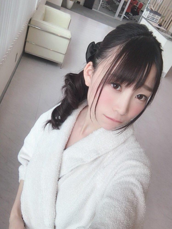 富田優衣(萩野穂香)真正M女なAVアイドルエロ画像65枚のa012枚目
