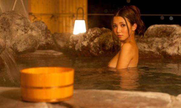 友田彩也香と鈴木一徹の濃密セックス画像 二人きりの温泉旅行142枚の090枚目
