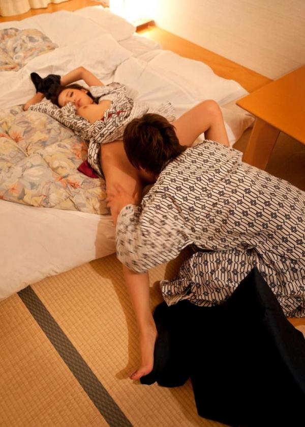 友田彩也香と鈴木一徹の濃密セックス画像 二人きりの温泉旅行142枚の115枚目