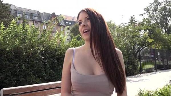 東欧ど素人ムスメ超SS級女子大生レベッカのエロ画像63枚のb002枚目