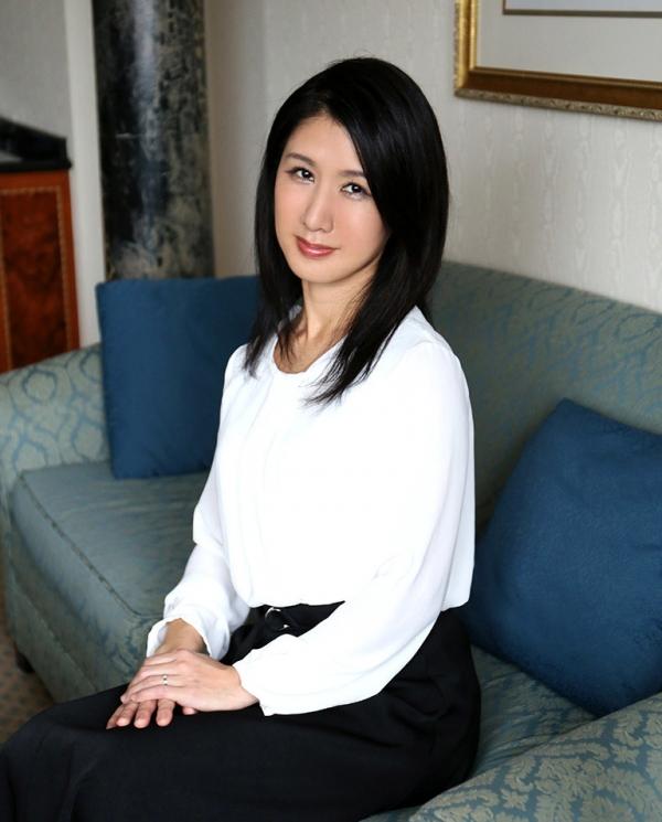 四十路美熟女 植木翔子 もう一度女に戻りたくて・・・エロ画像65枚のa002枚目