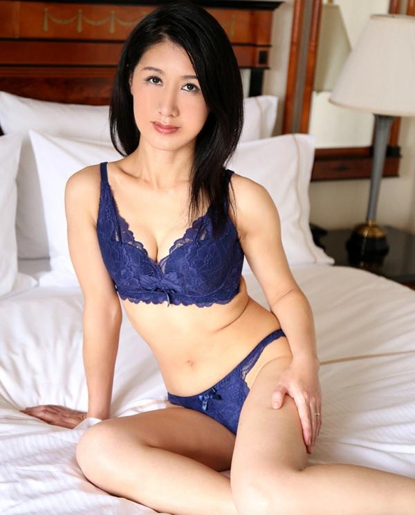 四十路美熟女 植木翔子 もう一度女に戻りたくて・・・エロ画像65枚のa005枚目