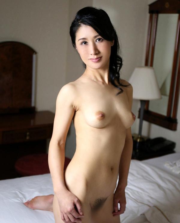 四十路美熟女 植木翔子 もう一度女に戻りたくて・・・エロ画像65枚のa024枚目