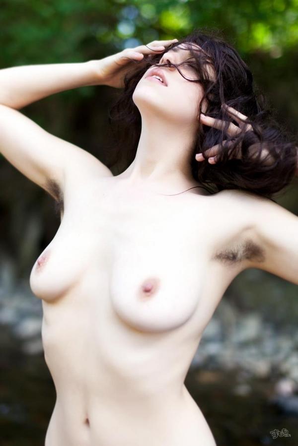 わき毛の画像 腋毛未処理でフェロモン溢れる女達50枚の010枚目
