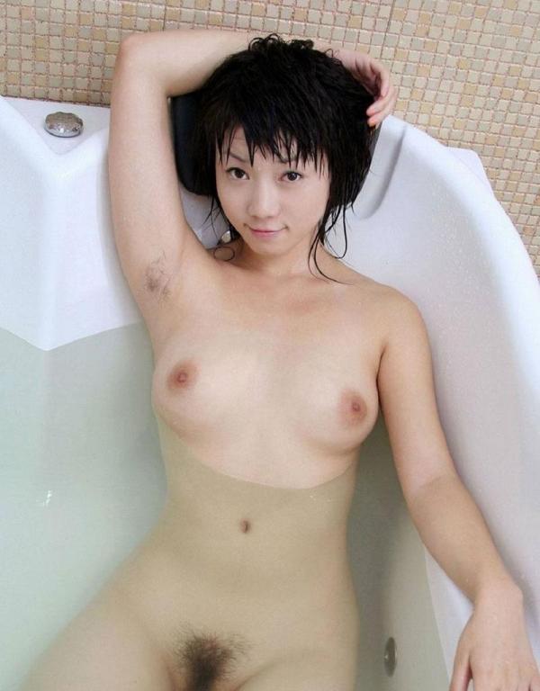 わき毛の画像 腋毛未処理でフェロモン溢れる女達50枚の018枚目
