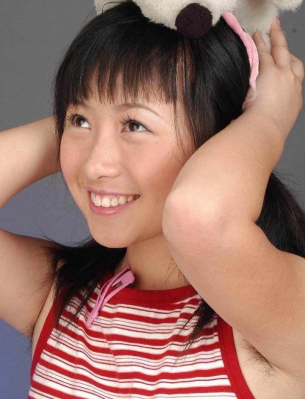 わき毛の画像 腋毛未処理でフェロモン溢れる女達50枚の021枚目